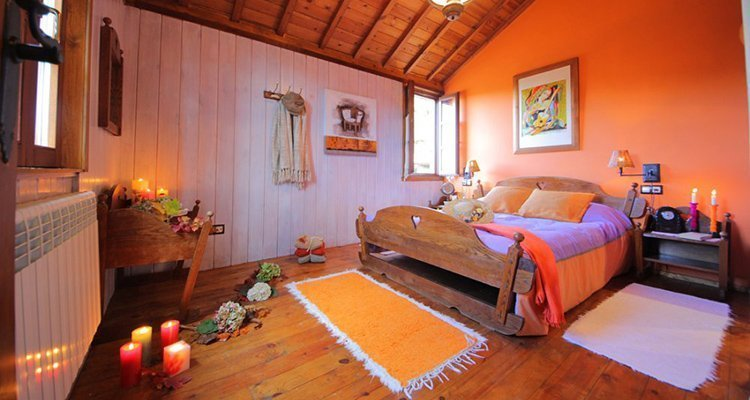 Bedroom with double bed